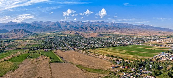 Панорама села Бостери на Иссык-Куле